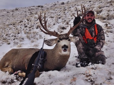 Tate Cavill with his 2015 Montana Mule deer, Shot with his Lilja Barreled 7 Mag.