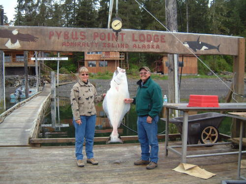 Here we are with a halibut of about 60 pounds caught earlier in the day of May of 2006.